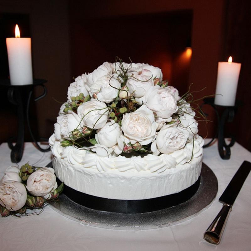 свадебный торт фото одноярусный без мастики люди берут трубки