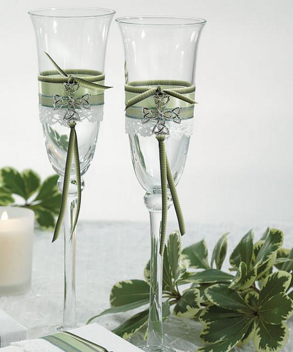 Свадебные бокалы с лентами