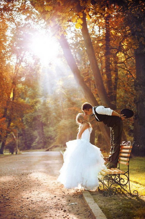 Интересные картинки осени с влюбленными