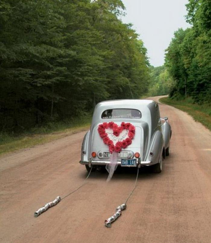 Украшение авто на свадьбу консервными банками